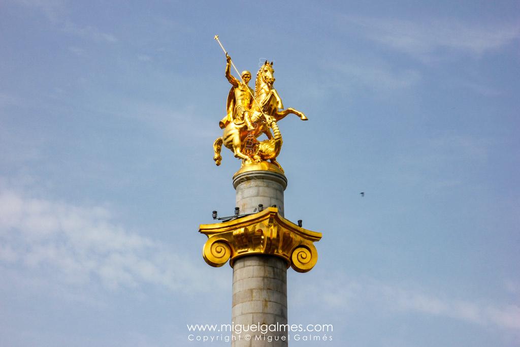 estatua de San Jorge y el Dragón