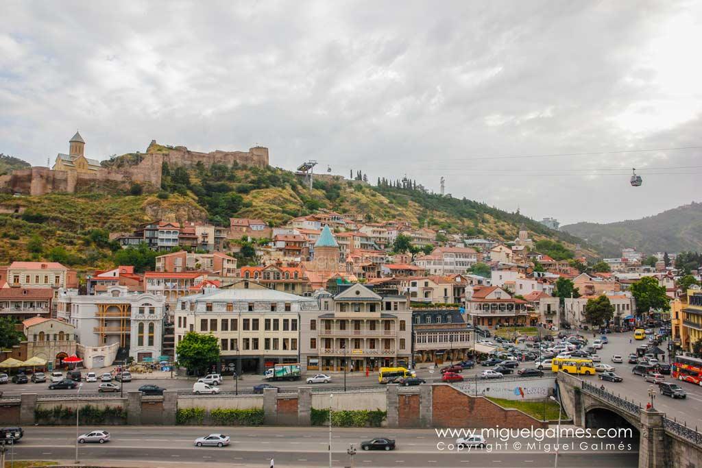 Viejo Tbilisi y fortaleza de Narikala