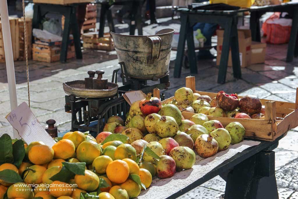 Puesto de frutas mercado