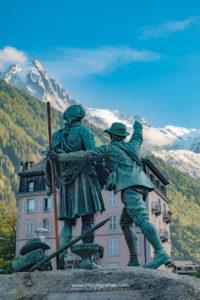 monumento a los conquistadores de las cimas